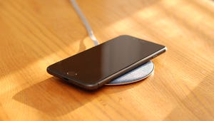 Aukey 10W Wireless Fast Charger Review: A Speedy and Stylish Qi Charger