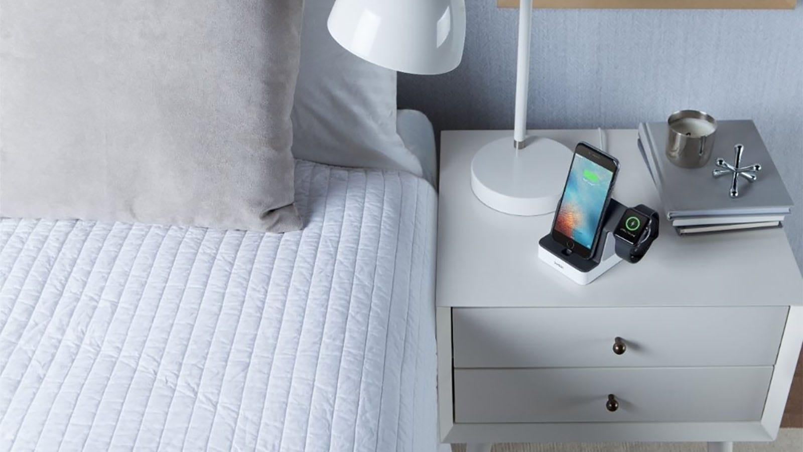 die besten iphone und apple watch kombination ladest nder. Black Bedroom Furniture Sets. Home Design Ideas