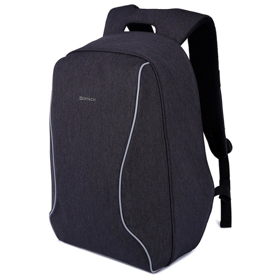 c80ae186304f The Best Anti-Theft Backpacks For Keeping Your Tech Safe – Review Geek