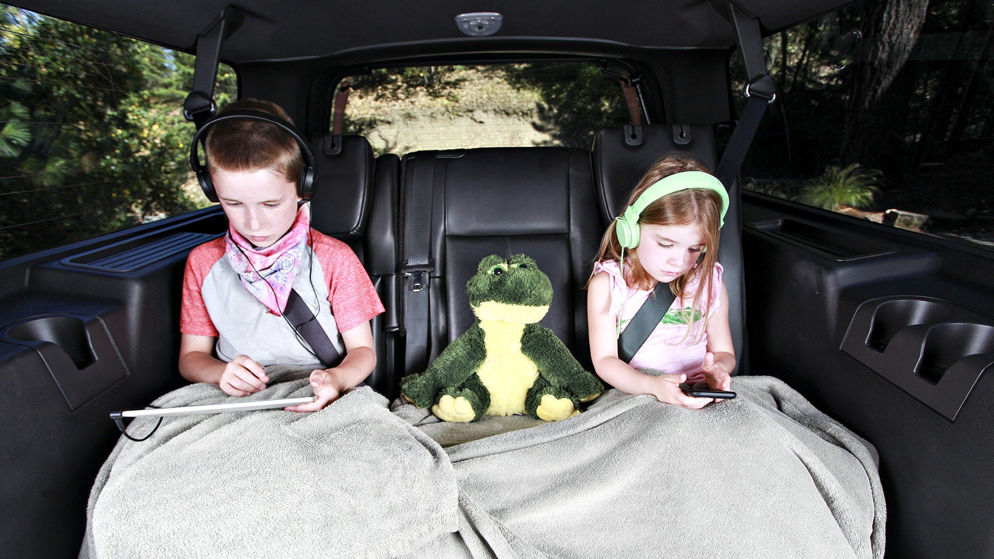 Five Tips and Tricks to Set Up In-Car Entertainment for Your Kids