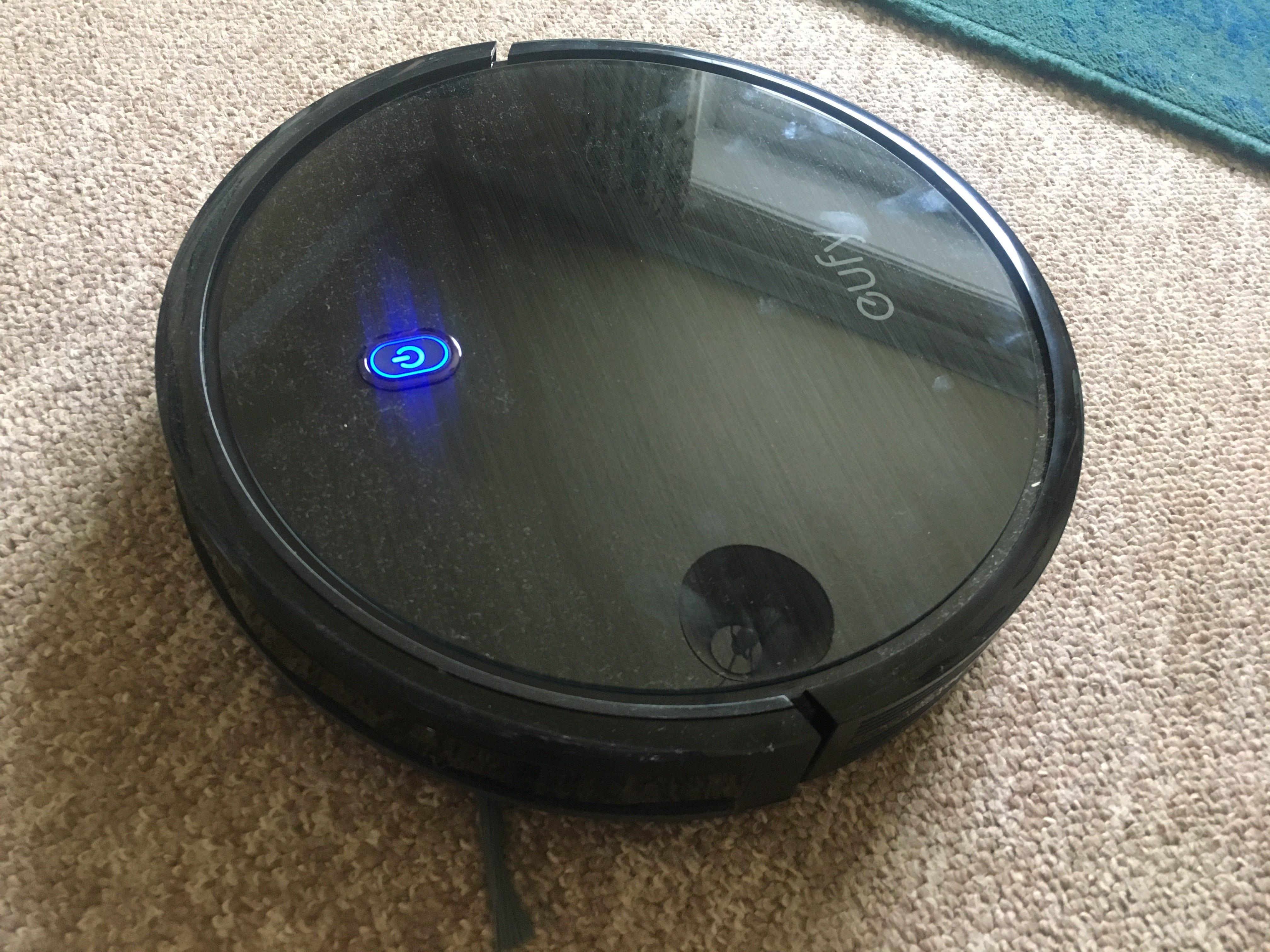 eufy BoostIQ RoboVac 11S Review: Ein praktisches (wenn nicht besonders intelligentes) Robotic Vacuum