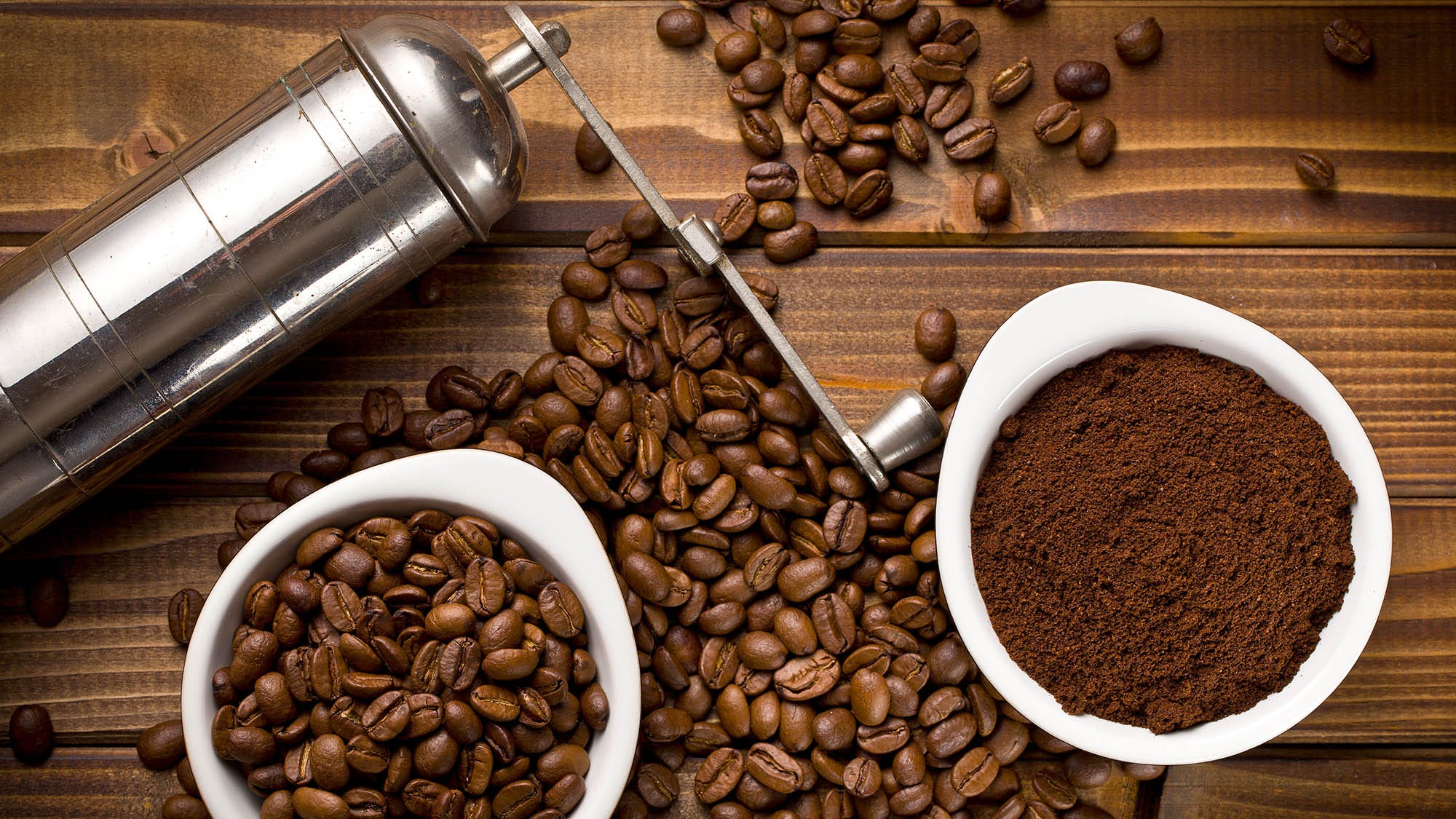 Die besten manuellen Kaffeemühlen für köstliche und konsistente Geschmack