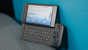 Retro Review: Using The Very First Android Phone Today Is an Unmitigated Nightmare