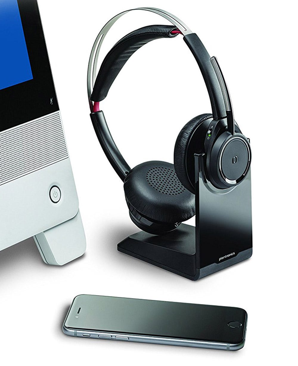 plantronics, voyager, voyager focus, bluetooth, bluetooth headset, office, VOIP