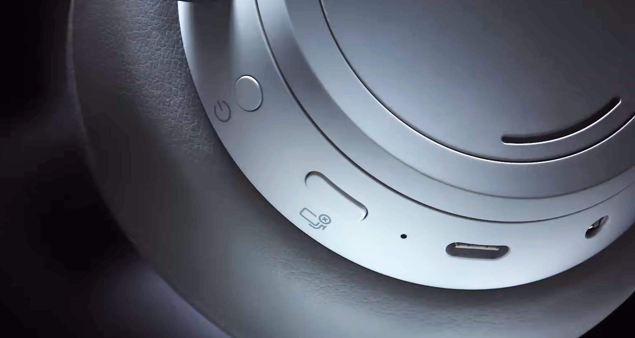 surface headphones, usb-c, usb, charging,