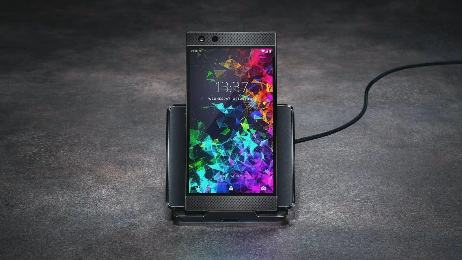 razer, razer phone, razer phone 2, rgb, chroma, wireless charger,