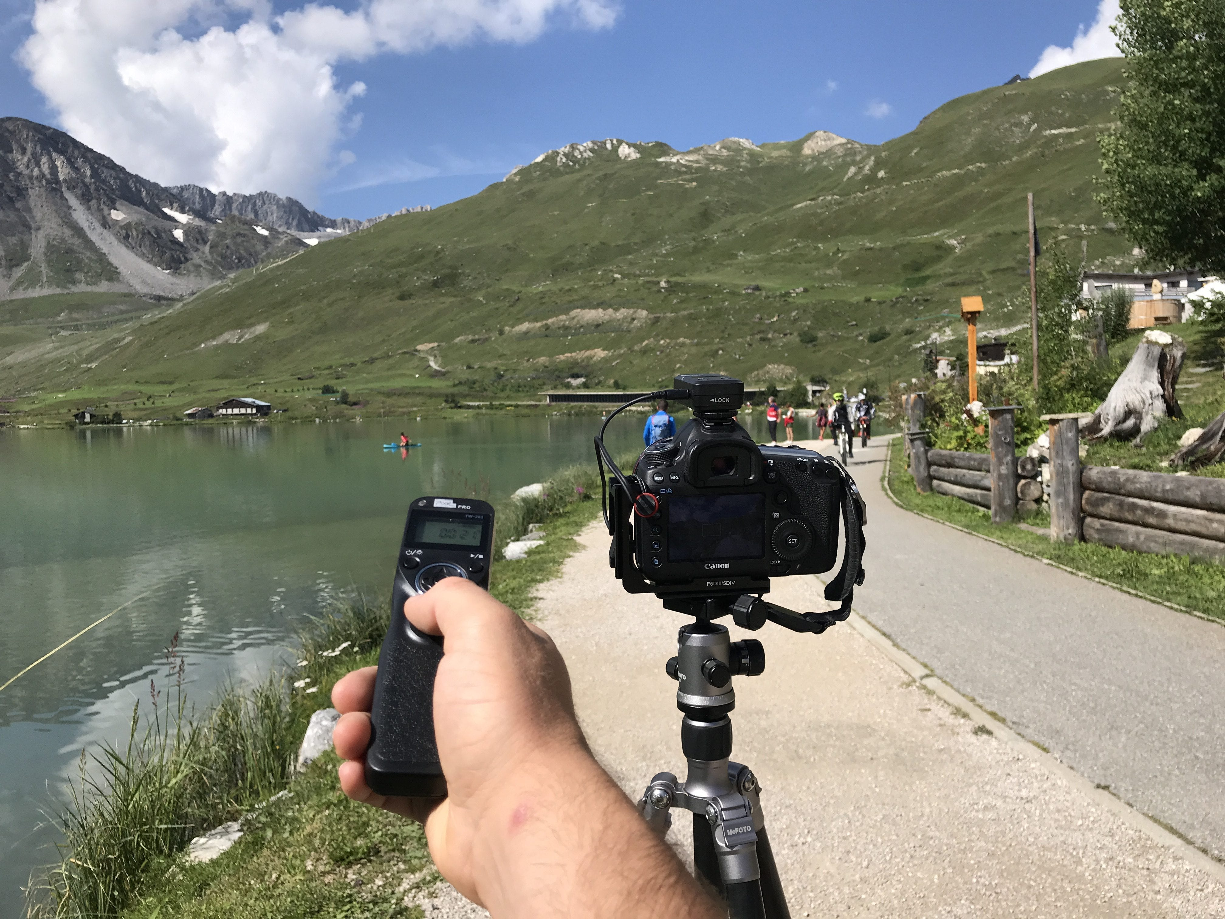 example of a wireless shutter in action in a scenic mountain area