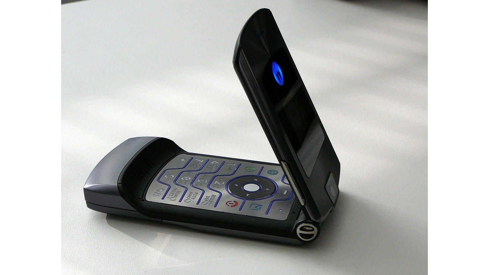 Das Motorola Razr macht vielleicht ein Comeback… als faltbarer $ 1500