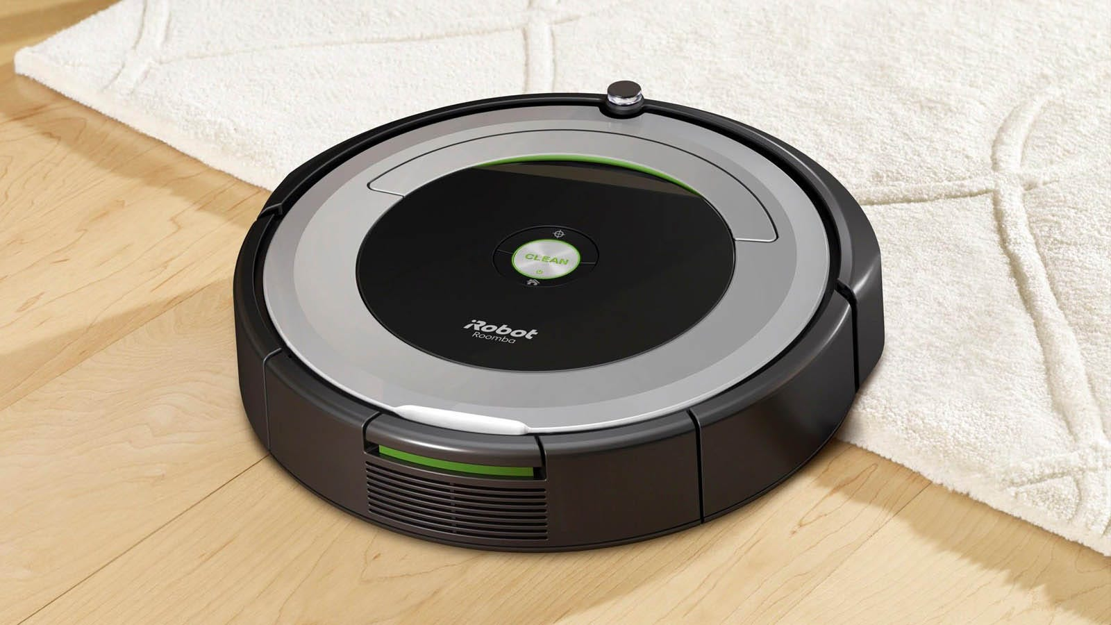 iRobot Roomba 690 automatically moving from hardwood to carpet floors