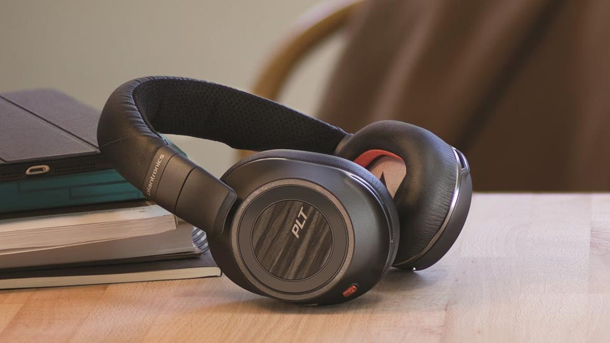 Plantronics Voyagers 8200 UC on a table top