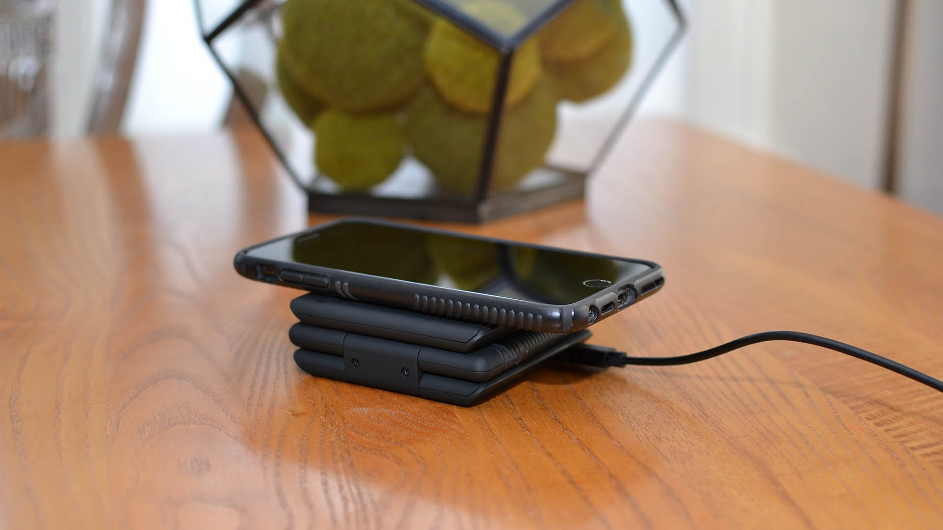 Unravel charger in folded compact form