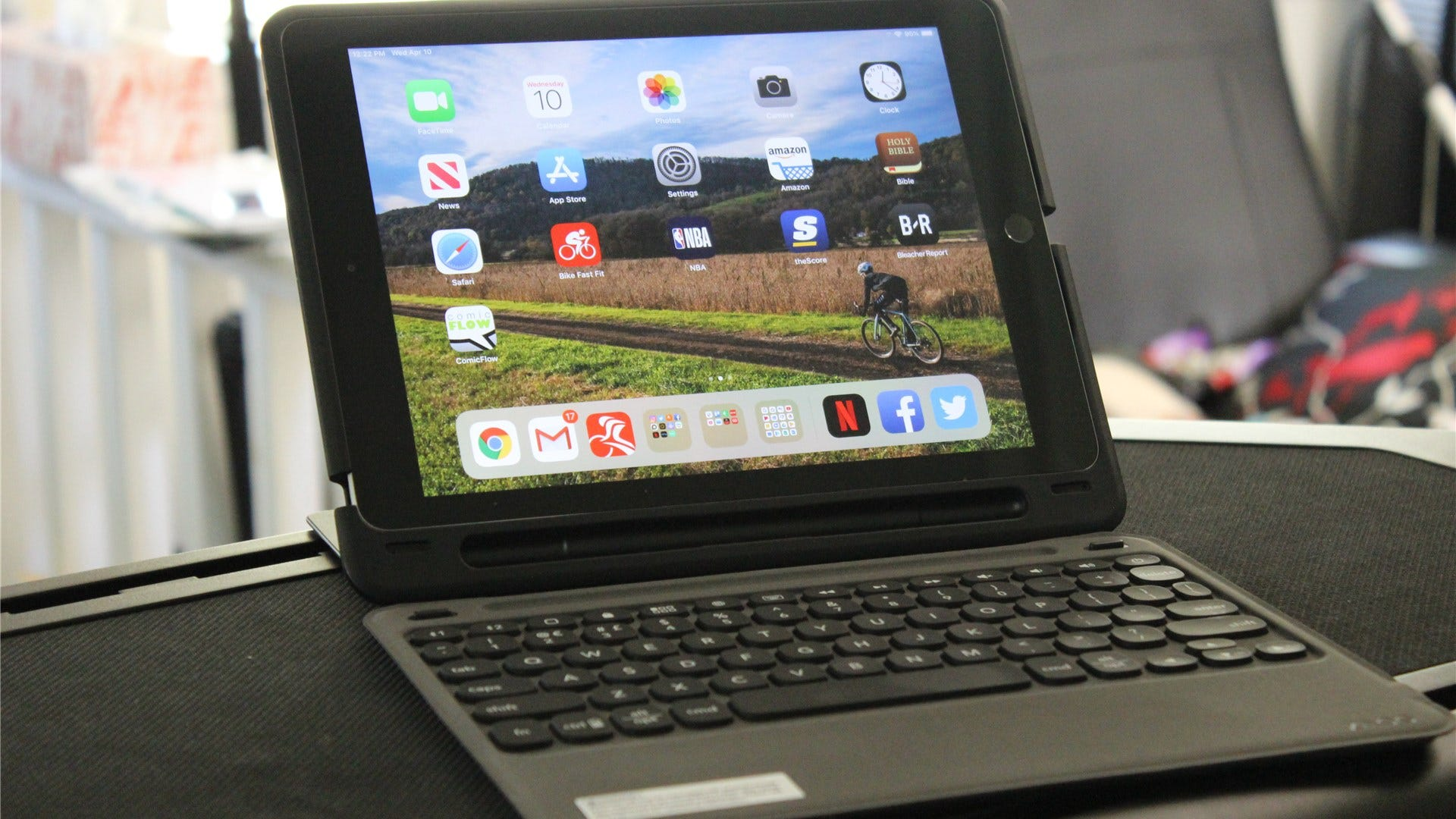 ZAGG Slim Book Go for iPad (9 7-inch) Review: About as Versatile as