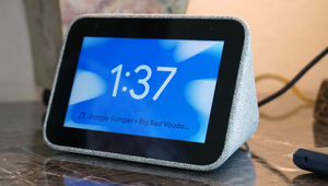 Lenovo Smart Clock Review: A Near-Perfect Smarthome Bedroom Companion