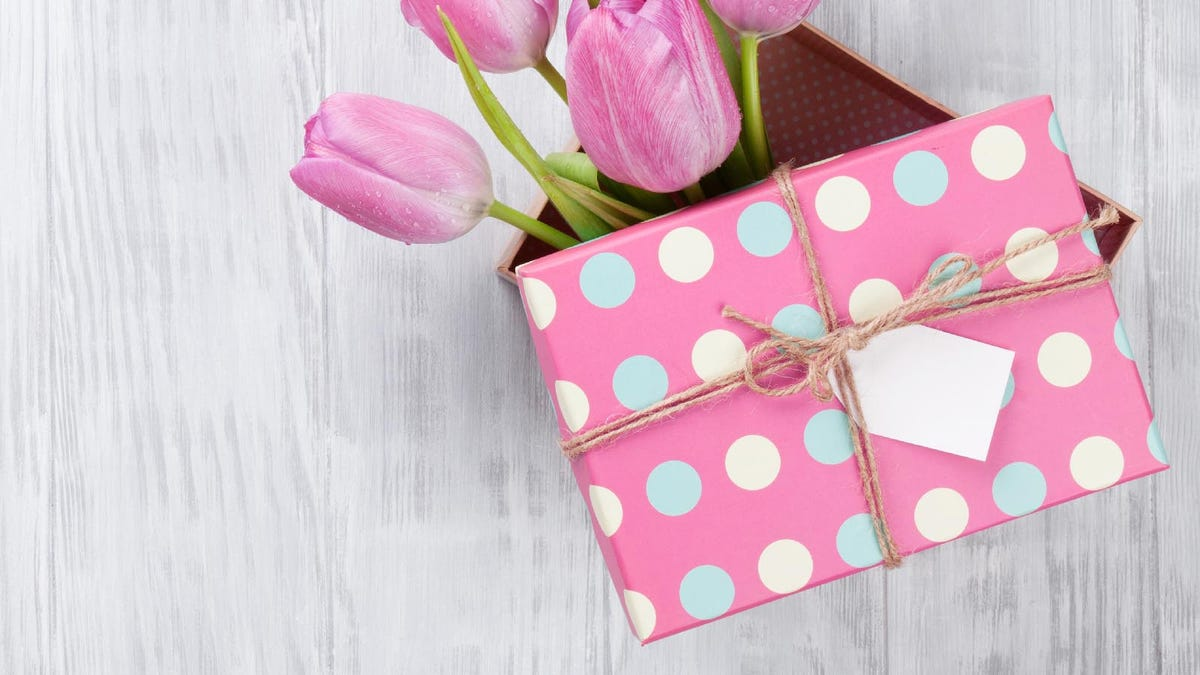 Pink gift box and tulips for Mother's Day