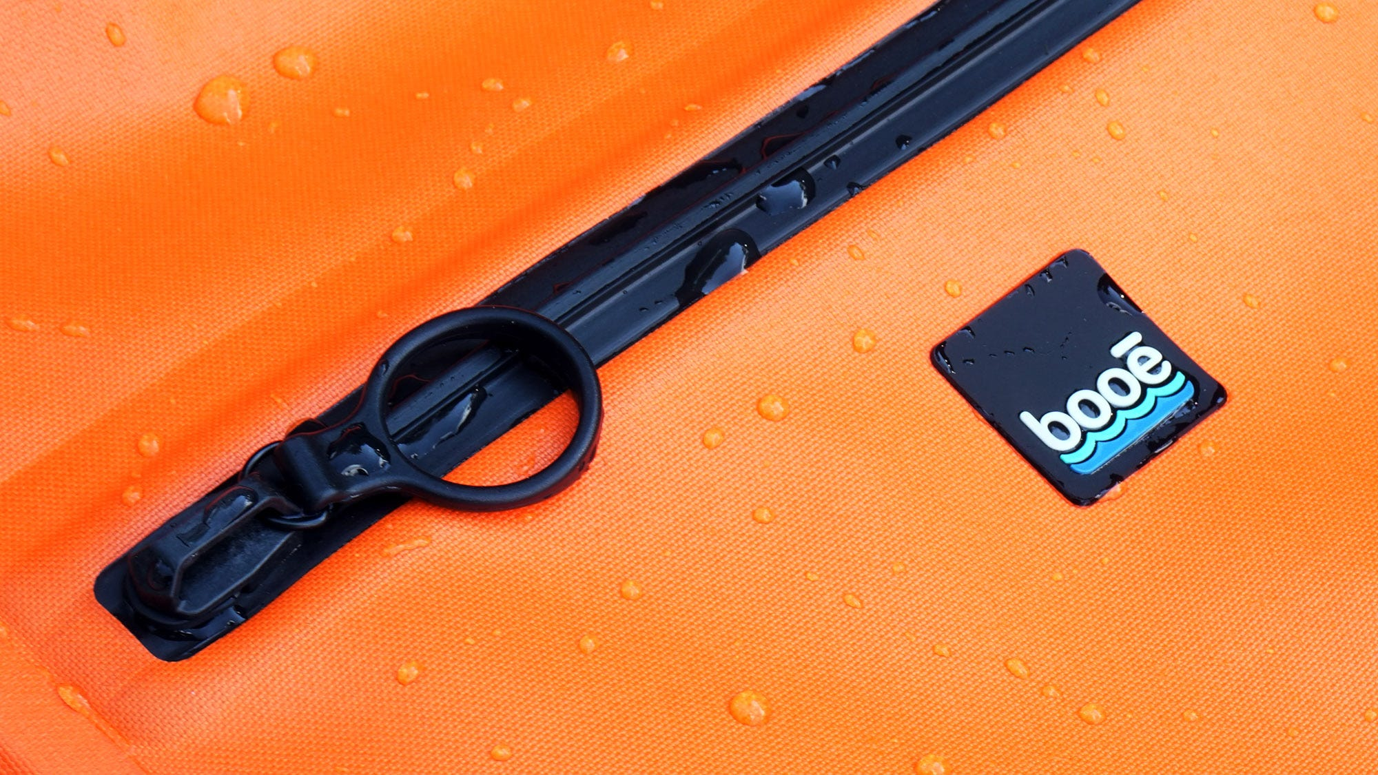 The TruZip toothless plastic zipper on the Hybrid 20 backpack.