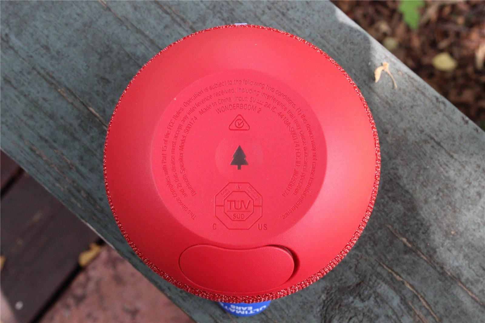 The button to activate Outdoor Mode on the Wonderboom 2.