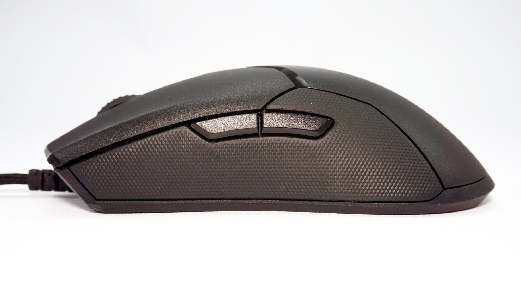 The Viper has a symmetrical ambidextrous design, with identical buttons on the left and right.