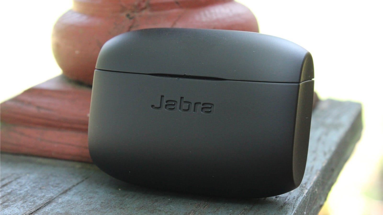 Jabra Elite Active 65t ear buds case.