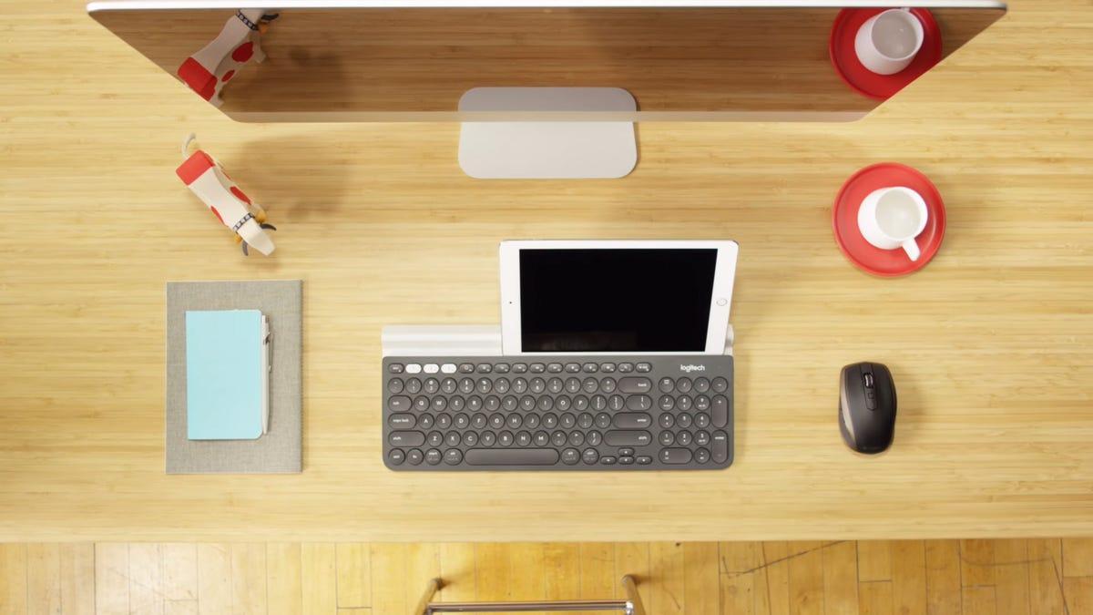 The Logitech K780 and an iPad.