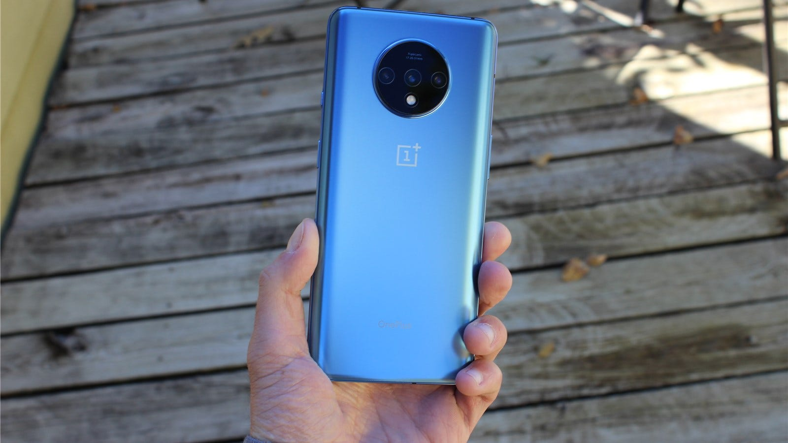 OnePlus 7T outside