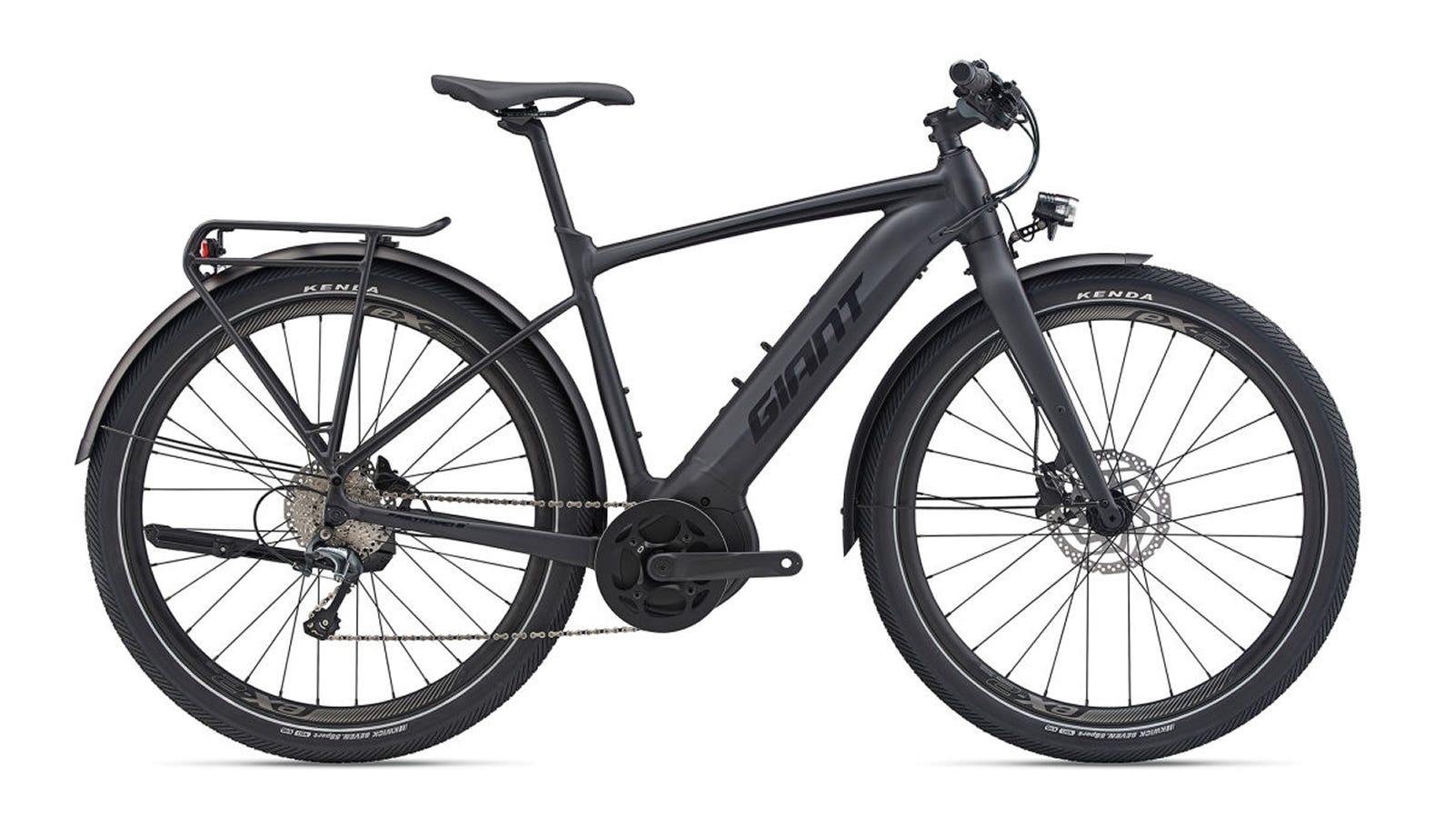 The Giant FASTROAD E+ EX PRO E-bike.