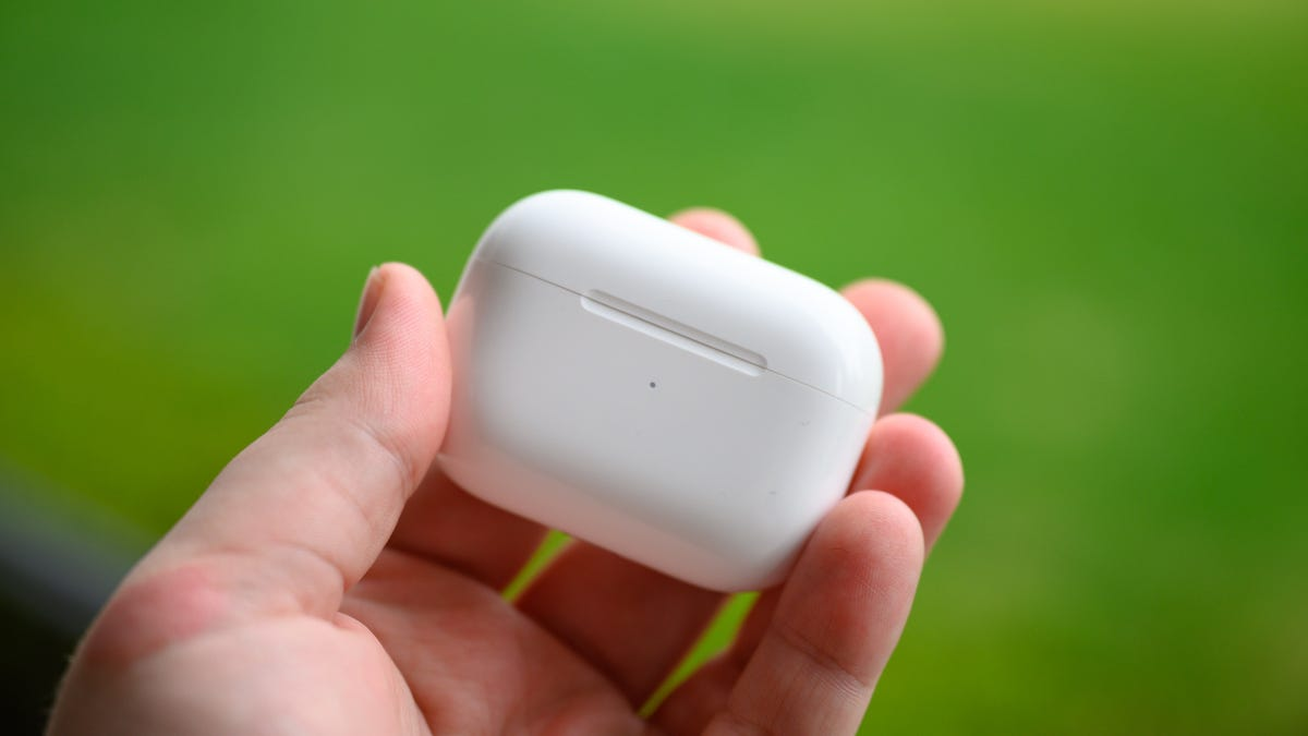 Apple AirPods Pro Charging Case Closed
