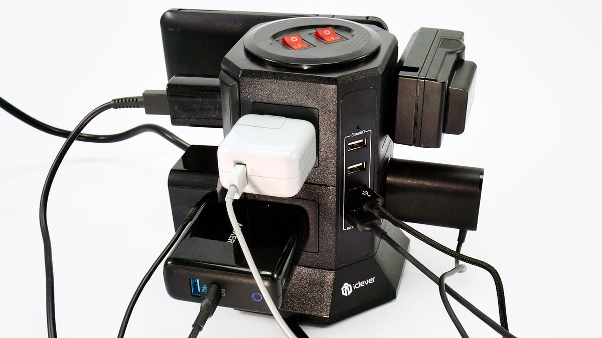 The iClever tower power strip, fully loaded.