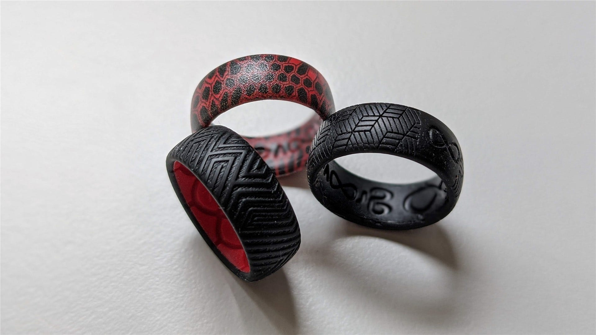 Groove life rings in black, black and red, and red.