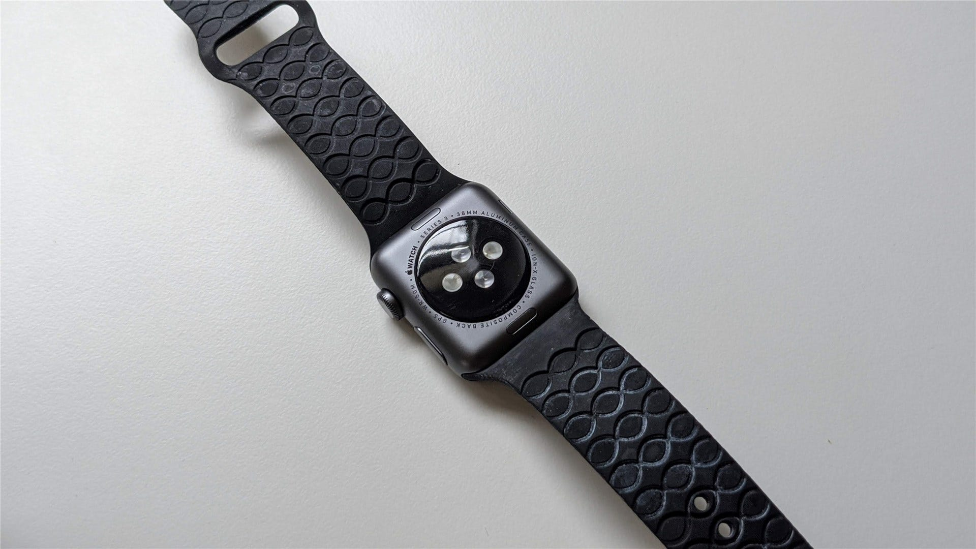 The back of the Apple Watch band, showing the grooves