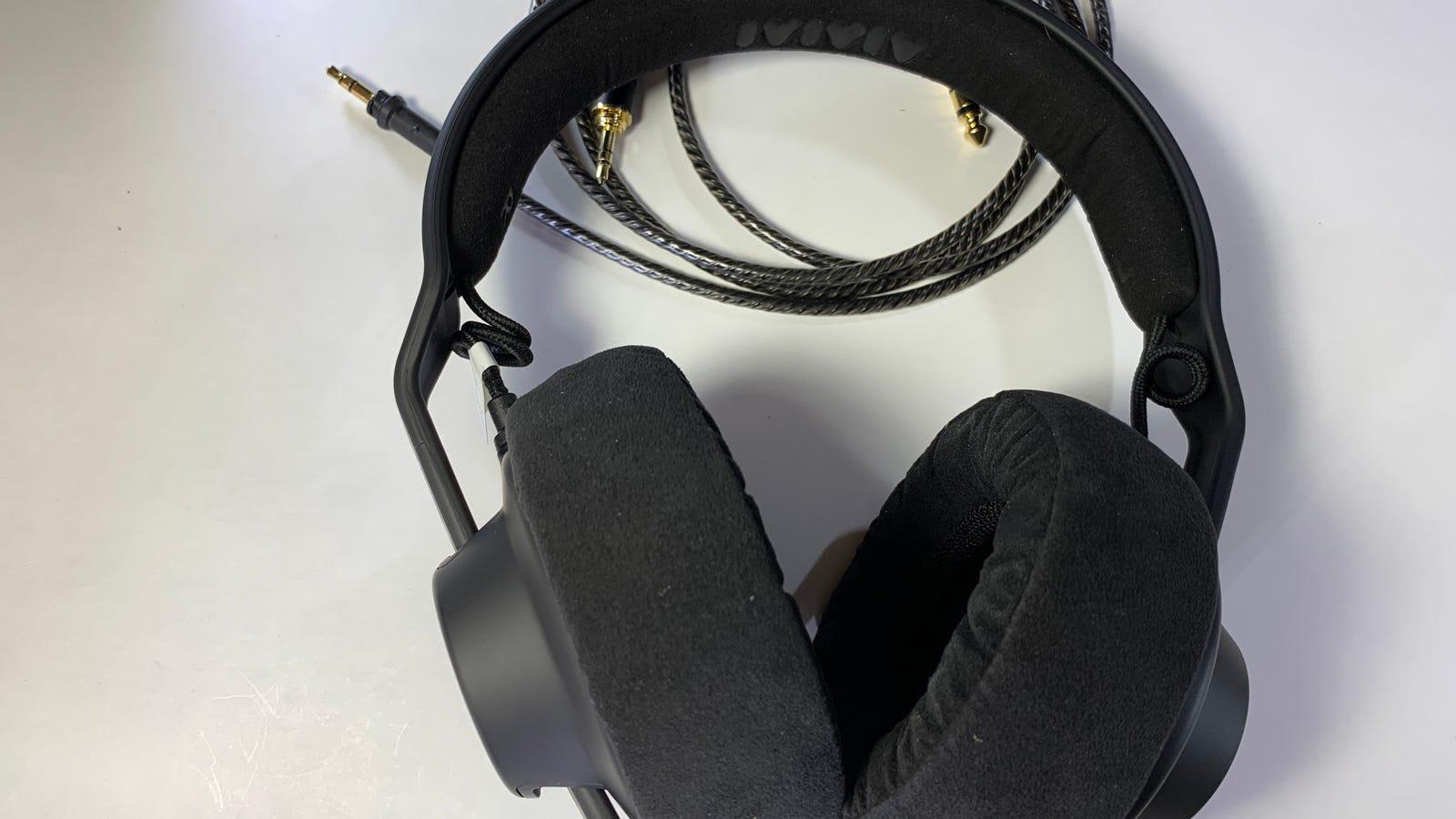 Image of assembled headphones