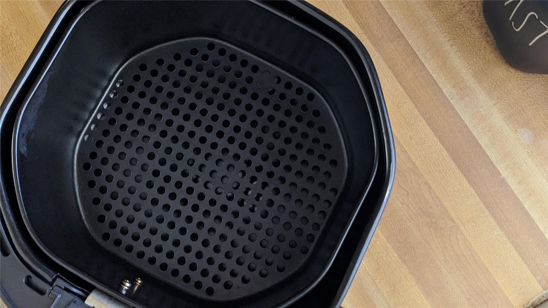 The Bagotte 3.7's basket and tray
