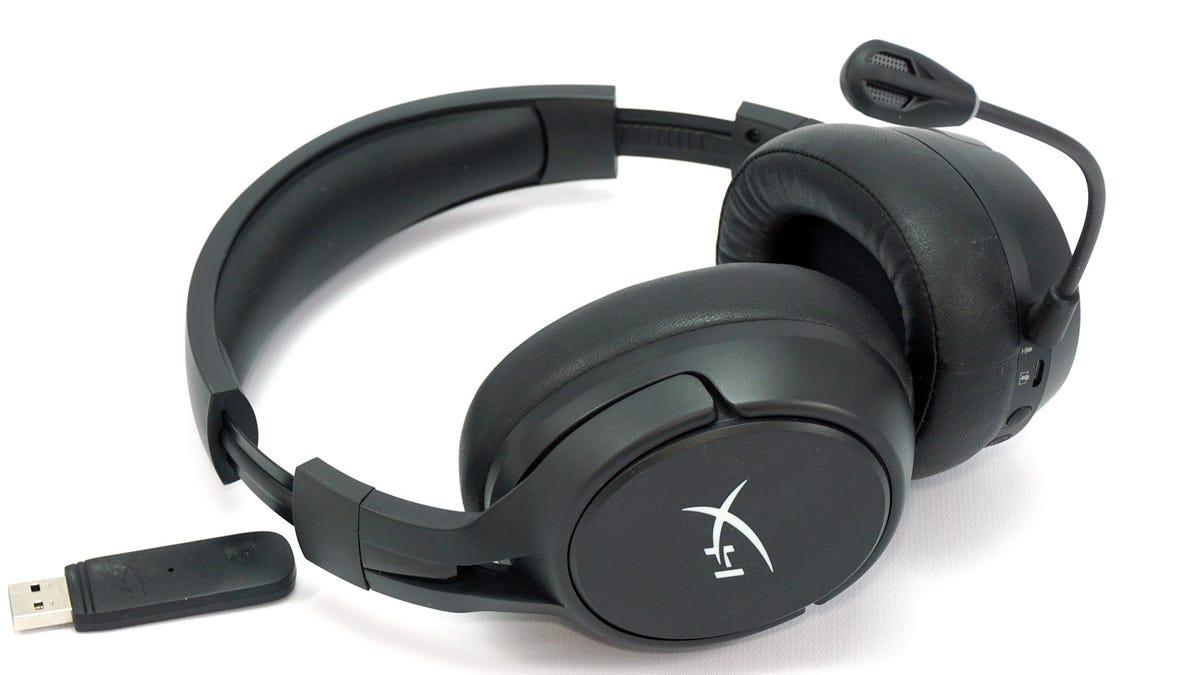 HyperX Cloud Flight S headset.