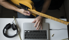 7 Guitar Lesson Apps and Websites that Shred