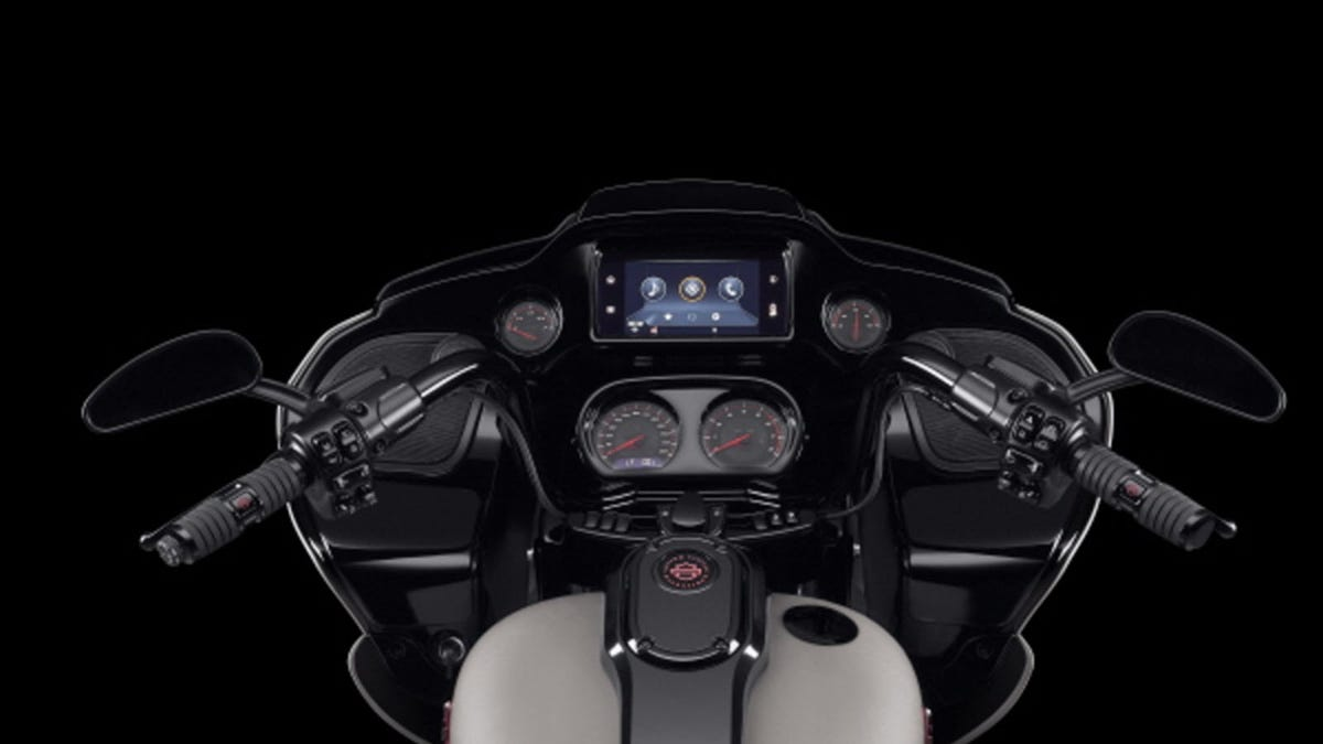 A Harley Davidson Touring Bike with Android Auto in the dash.