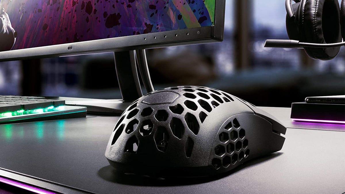 Cooler Master MM710 Desk