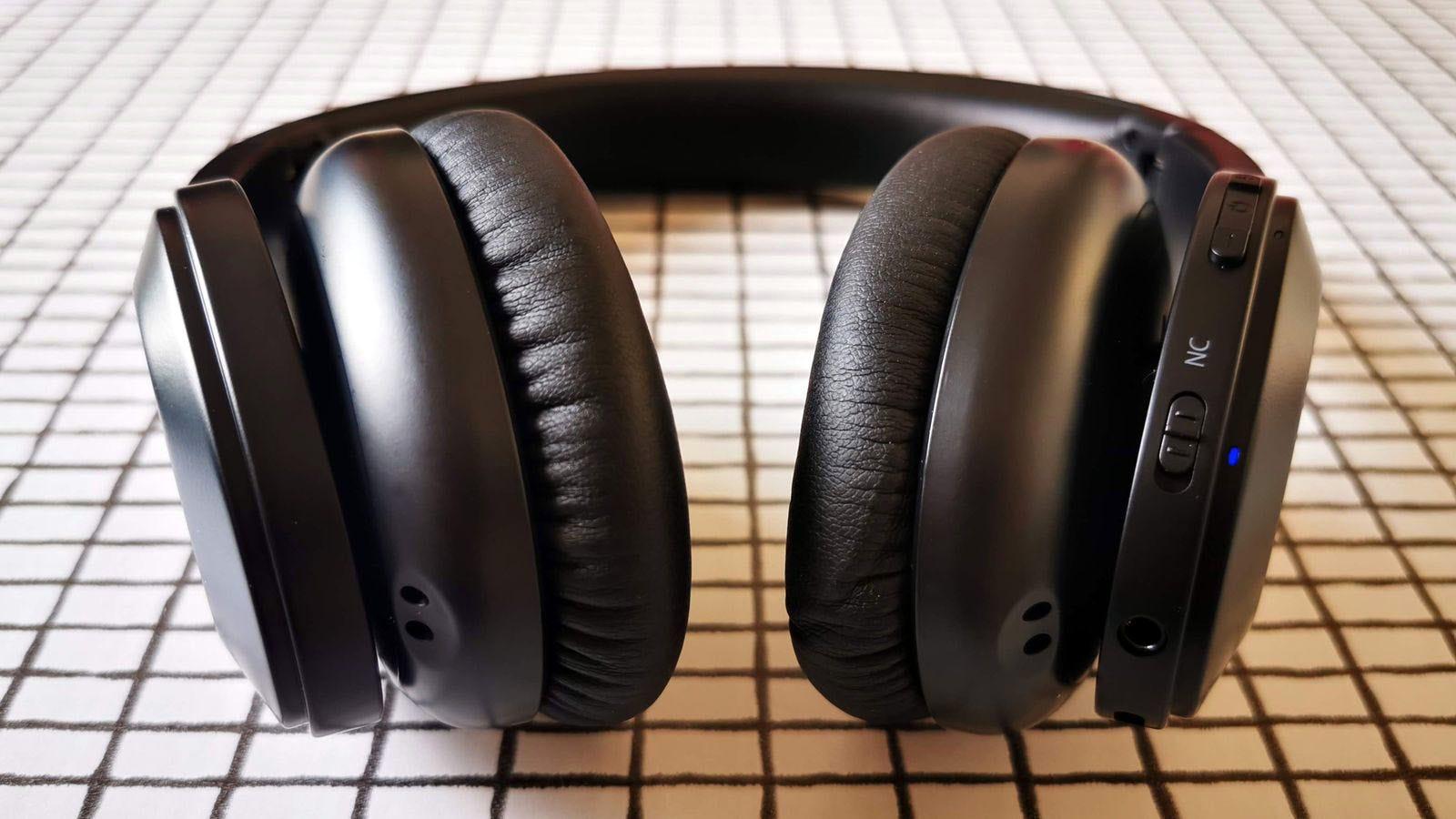 headphone controls