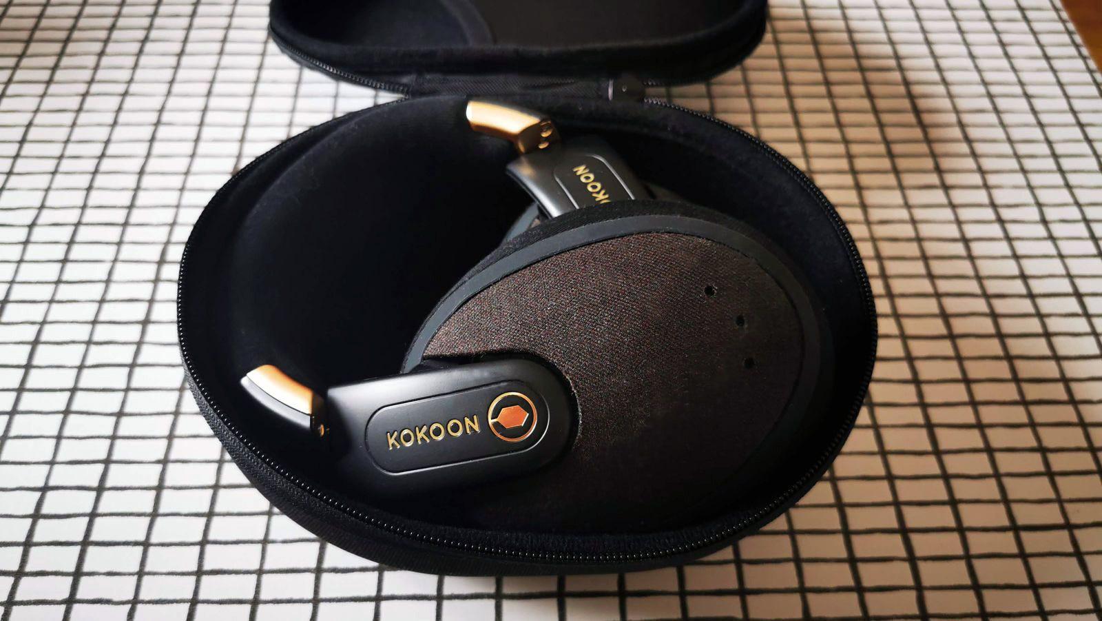 kokoon headphones in case