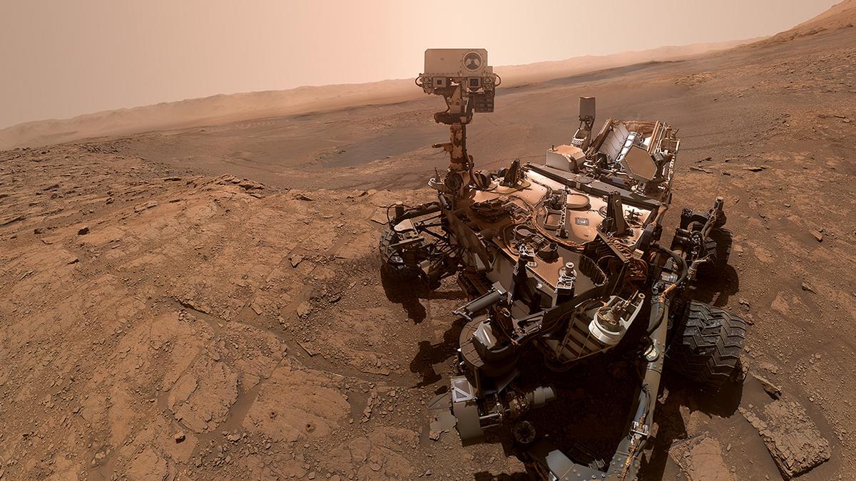 The Curiosity rover at 'Glen Etive,' a Mars sample site.