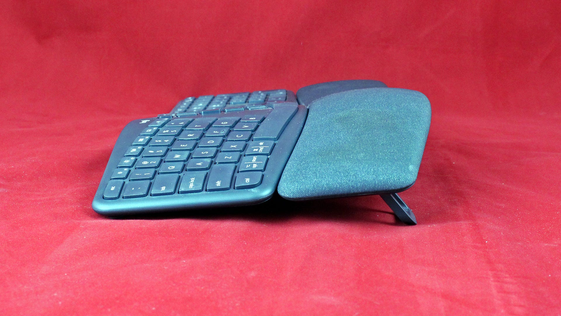 A side view of the ERGO keyboard, liften to -11 degrees.