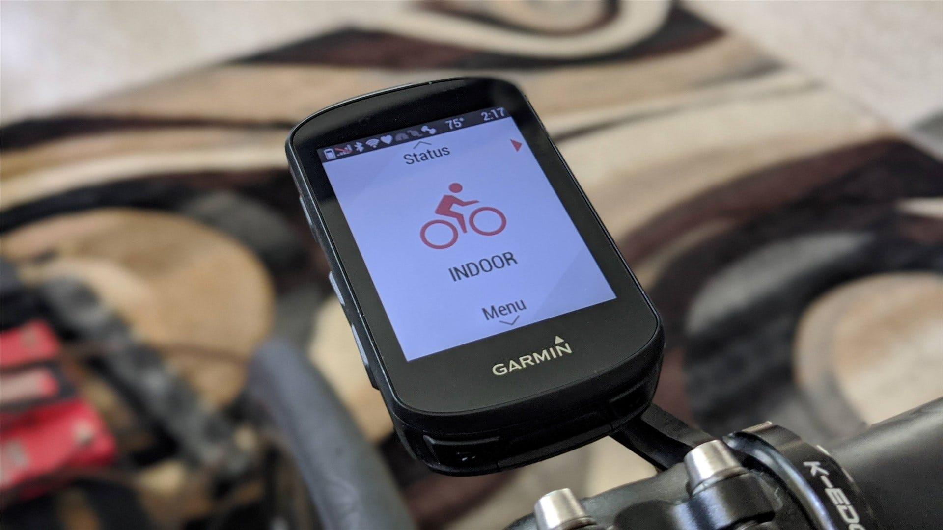 A Garmin Edge 520 bike computer on a K-Edge out-front mount