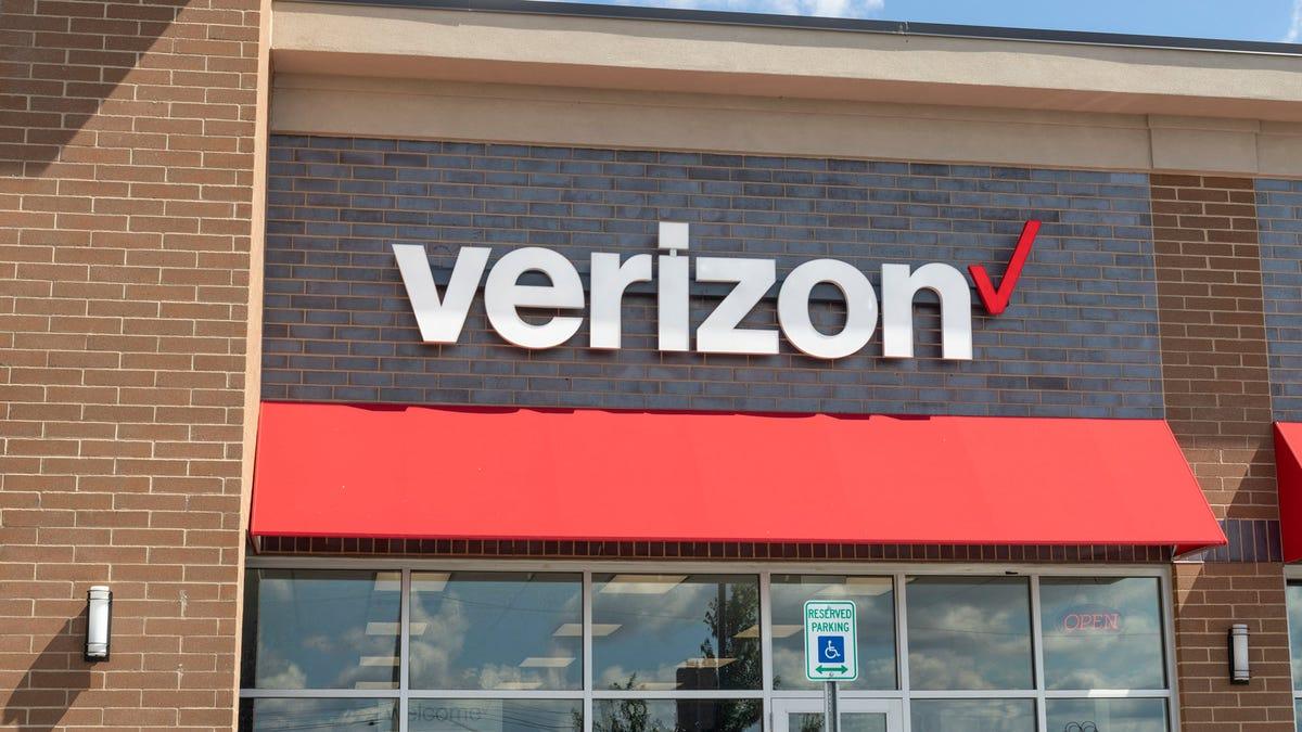 A Verizon wireless store.