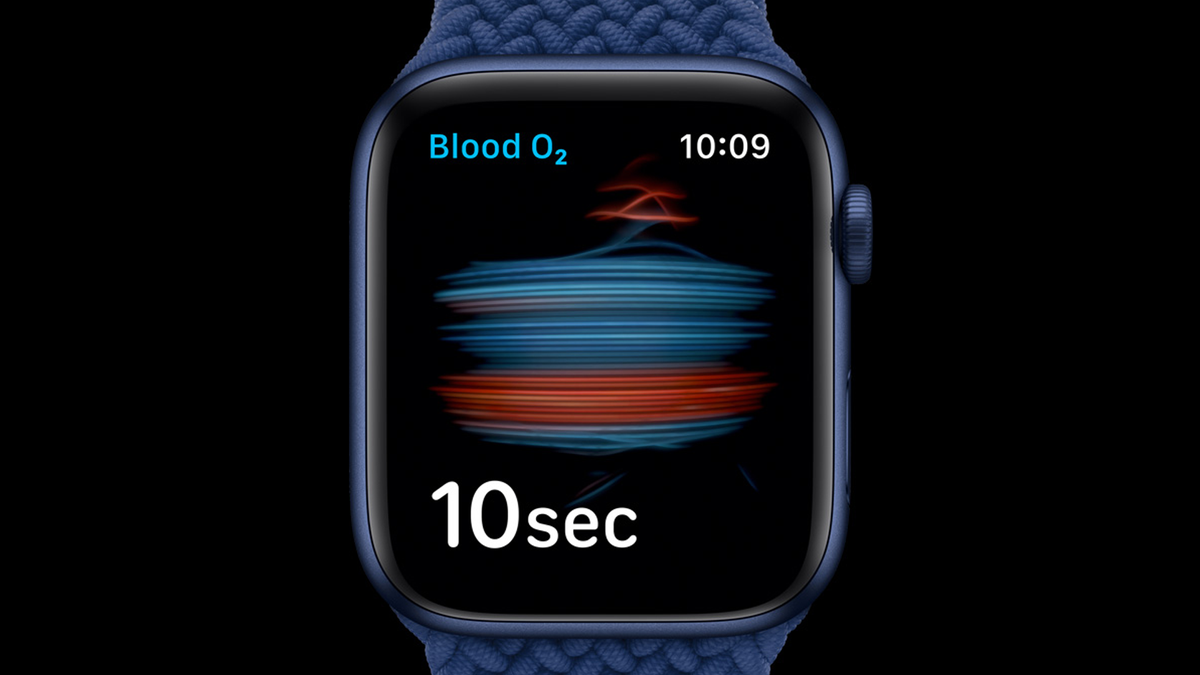 A photo of the Apple Watch Series 6's blood oxygen monitor in action.