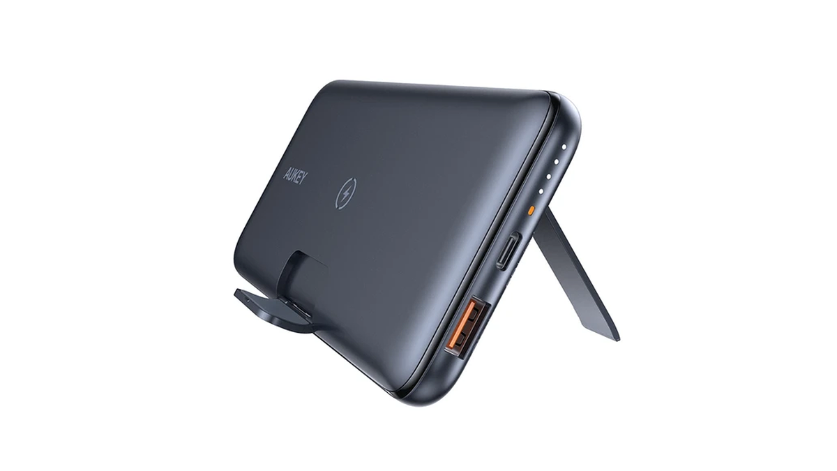 A photo of the Aukey portable wireless charger.
