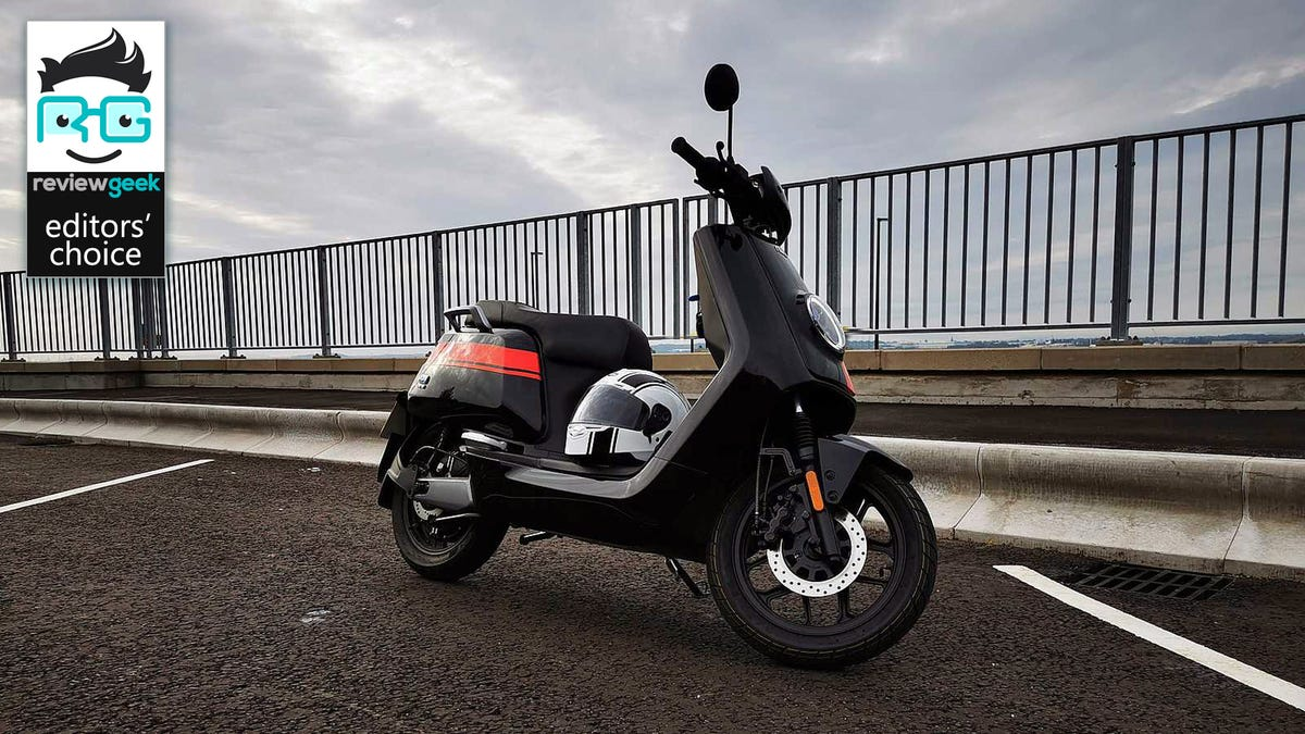 niu scooter right hand profile