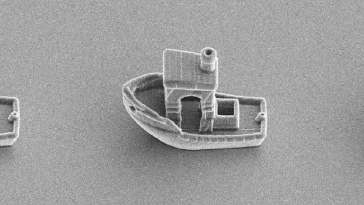 3D printed tugboat that's smaller than a human hair
