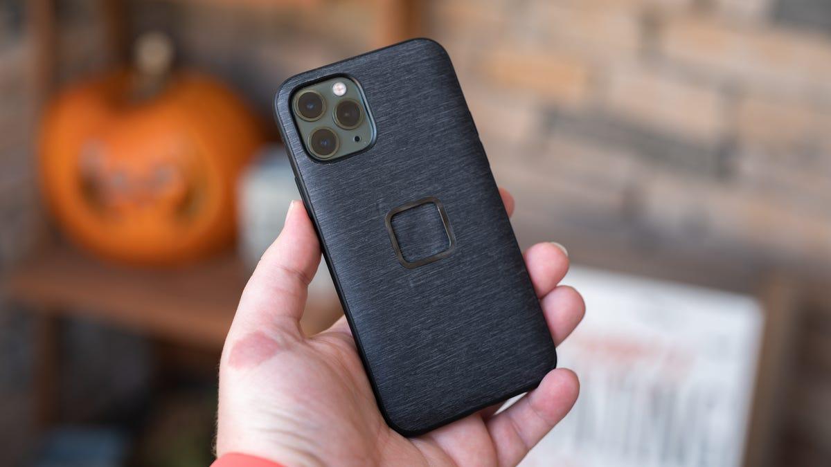 Peak Design Mobile Everyday case on iPhone 11 Pro
