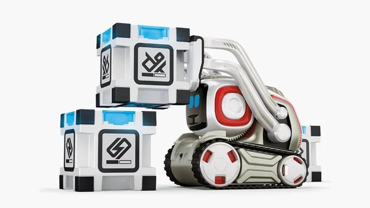 A little tank robot stacking blocks.