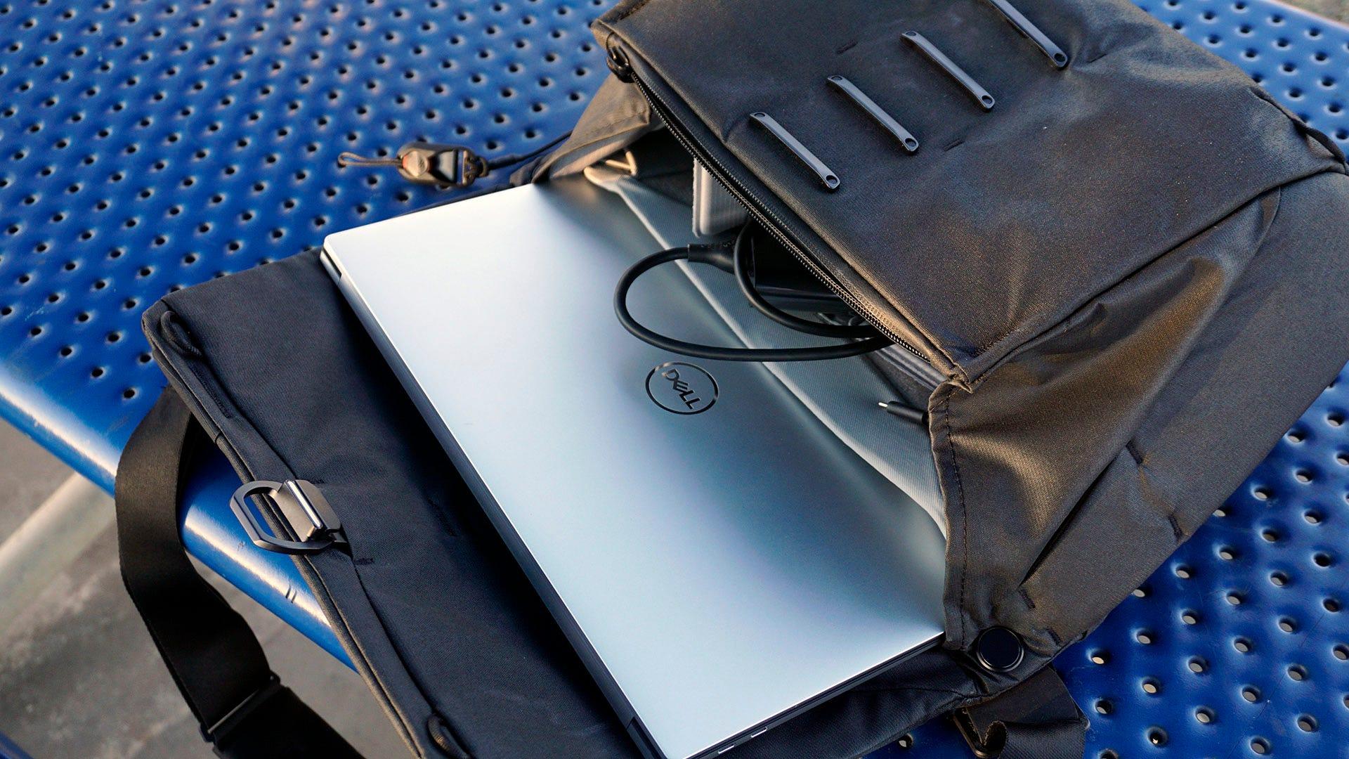 XPS 15 in laptop bag