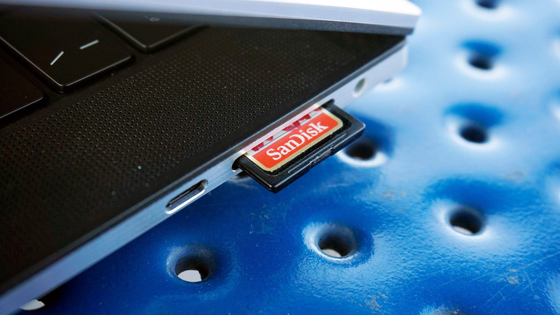 XPS 15 SD card slot