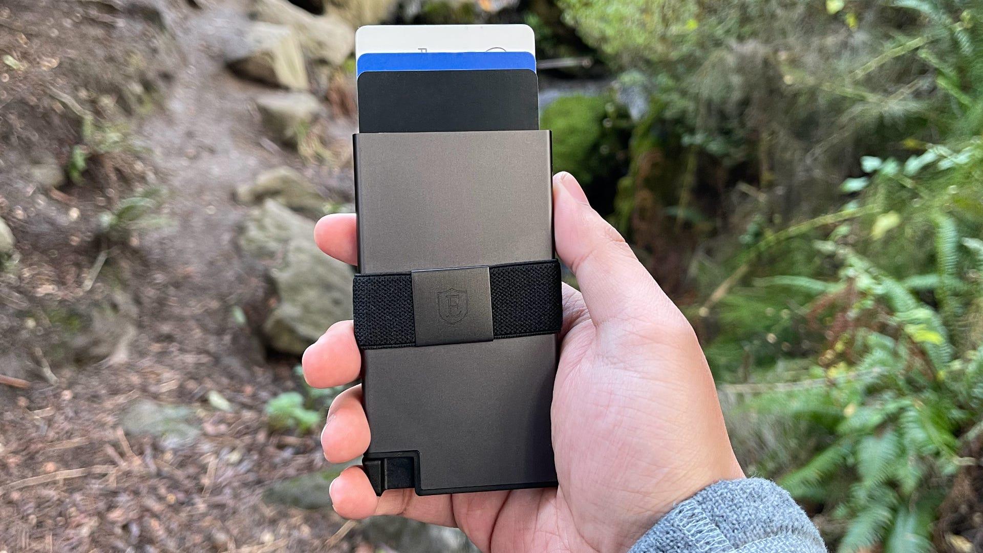 Ekster Aluminum Cardholder, nature background